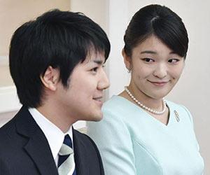 小室圭さんと眞子さまの婚約会見の画像
