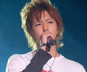 第22回ジュノン・スーパーボーイ・コンテストで歌う稲葉友