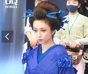UQのCM「WiMAX +5G」青い着物姿の深田恭子