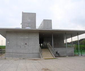 新横浜公園レストハウス